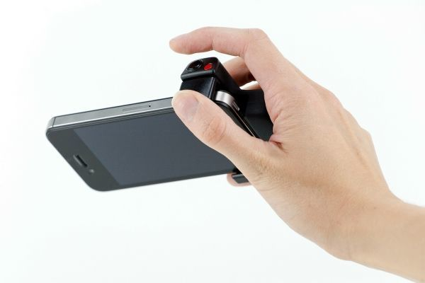 iPhone Shutter Grip, Flash Dock for iPhotographers