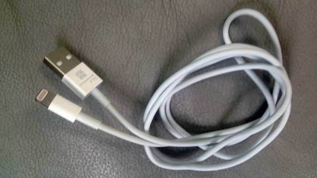 iPhone 5 Cable Leaked, Polychemy iPhone 3D Printed Cases