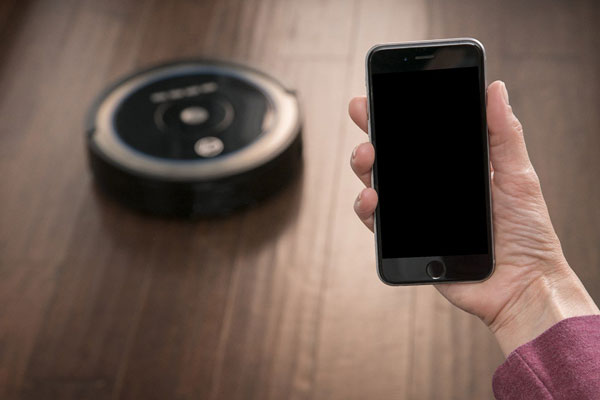 https://www.iphoneness.com/wp-content/uploads/2016/08/31/Hoover-Quest-1000-WiFi-Enabled-Robot-Vacuum.jpg