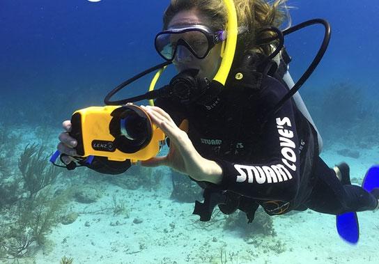 reputable site 9bce4 72460 LenzO: Underwater iPhone 7 Housing -
